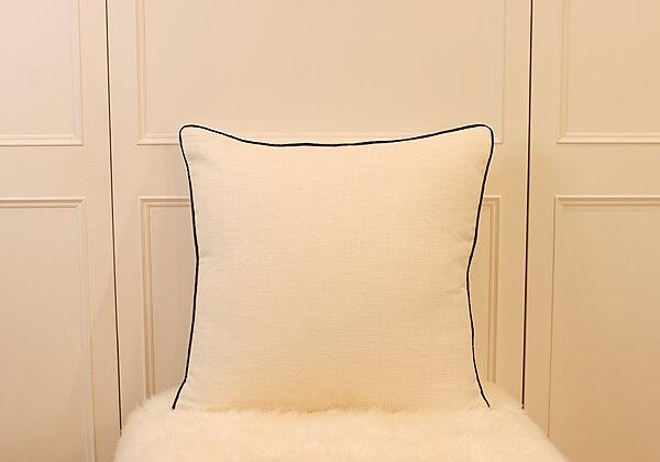 典雅白大抱枕 | 靠枕|60 x 60